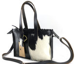 Koeienhuid zwart/wit mini shopper met lange hengsel_