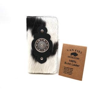 Koeienhuid telefoonhoesje in boekvorm